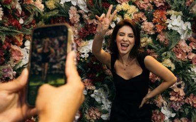 """Com cenários """"instagramáveis"""", São Paulo ganha primeiro museu da selfie"""